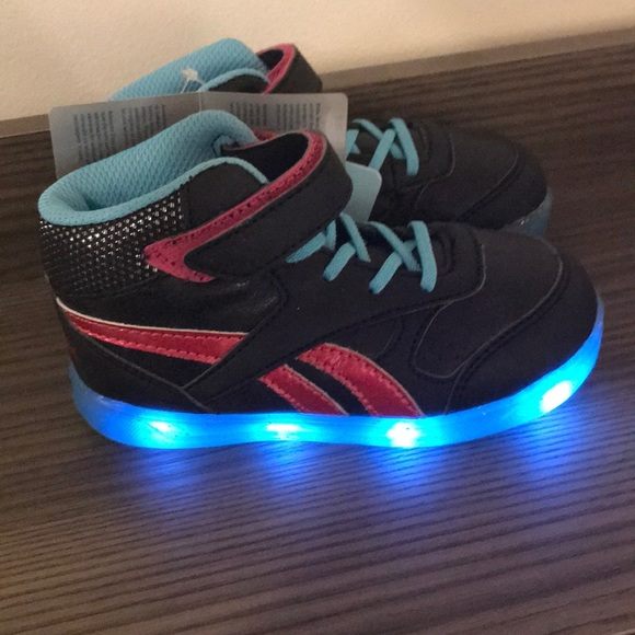 57e45d712811 Reebok girls step n flash size 8
